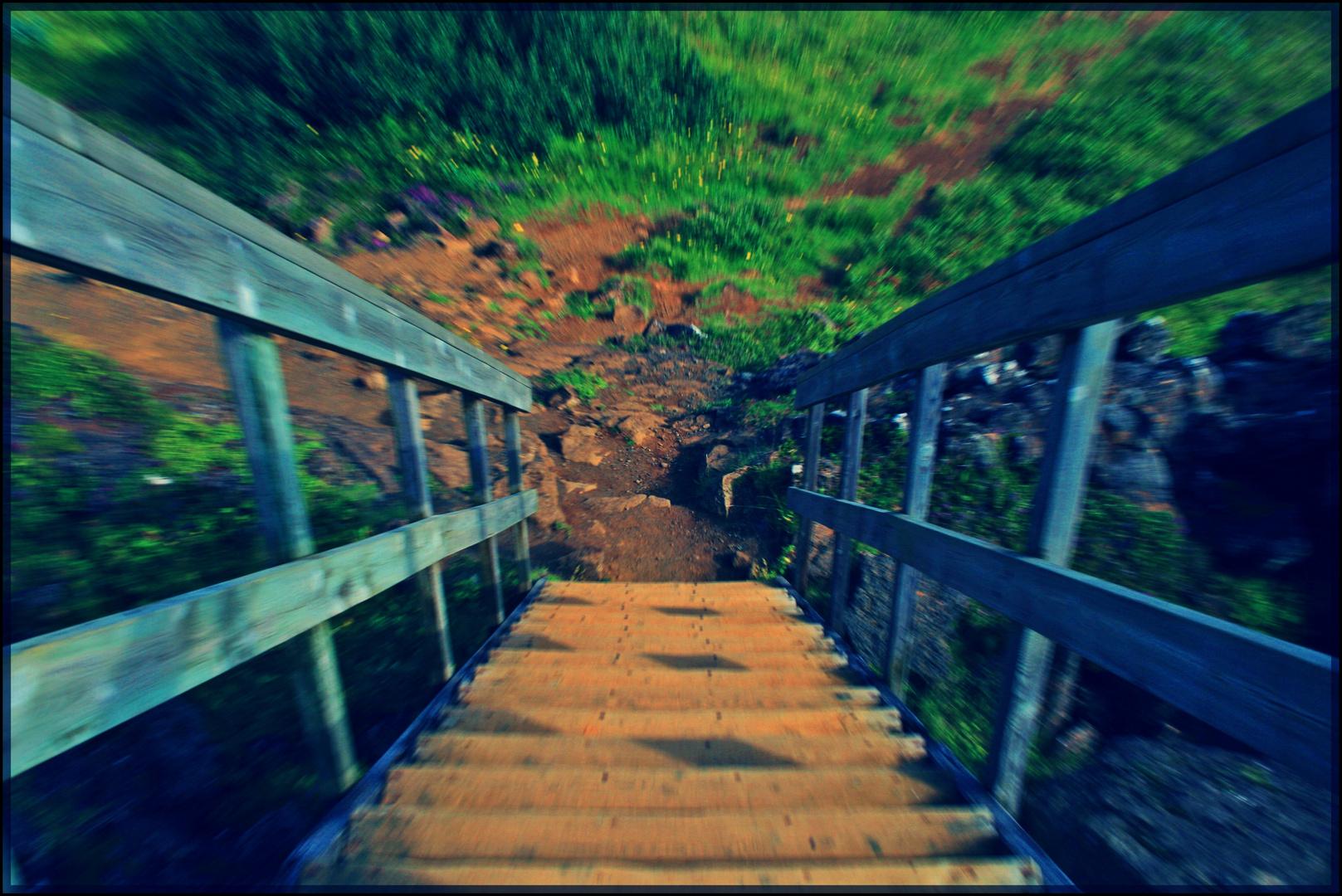 Eine Treppe in der Landschaft von Island