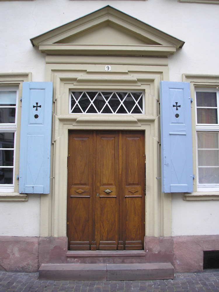 Eine Tür in der Altstadt