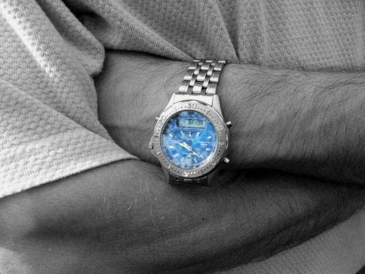 ... eine Uhr