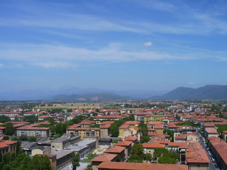 einer der vielen Ausblicke vom schiefen Turm aus Pisa