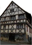 ... eines der ältesten und schiefesten Häuser