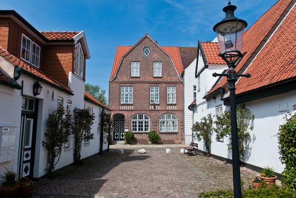 """Eines der vielen """"Theodor-Storm-Häuser"""" (in dem er lange gelebt hat) - heute Museum"""