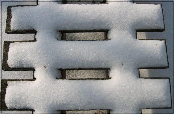 Einfach nur Schnee am Steg