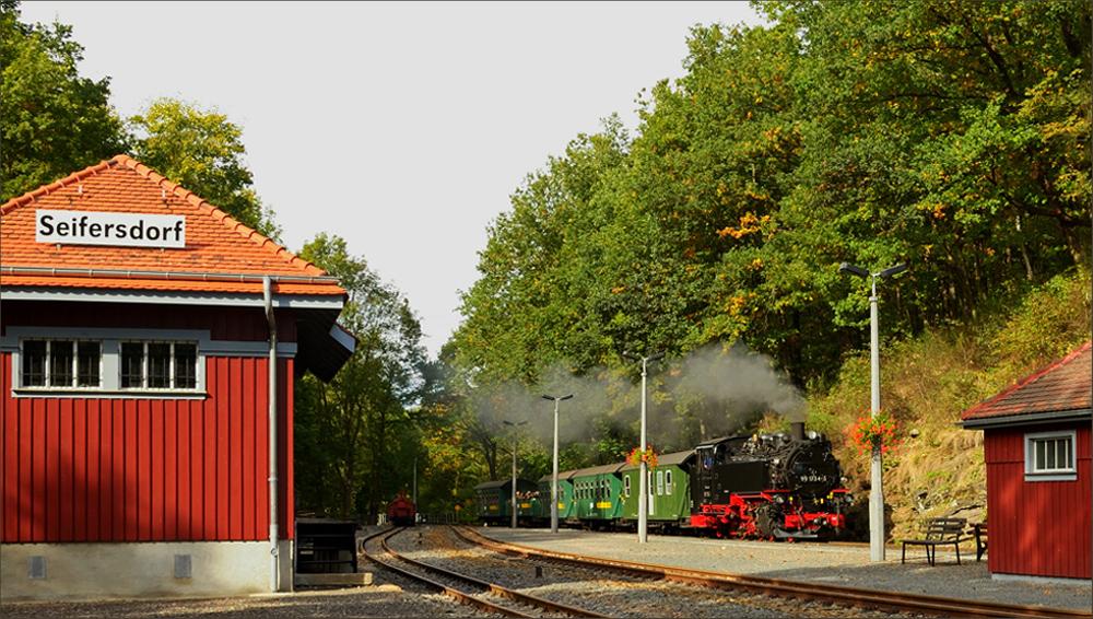 Einfahrt im Bahnhof Seifersdorf…,