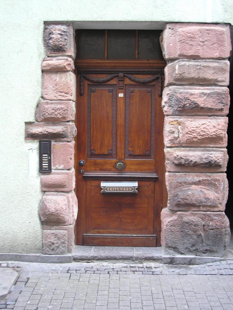 Eingang in der unteren Strasse