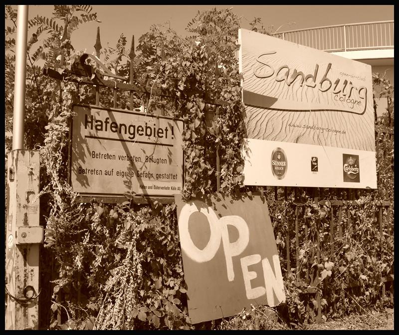 Eingang Sandburg