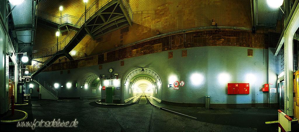 Eingang zu Dr. Evils Geheimlabor