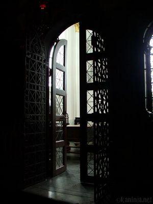 Eingang zu einem Gebetsraum im Aachener Dom