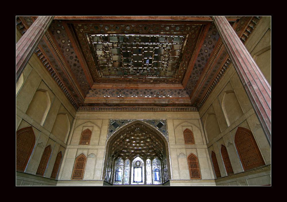 Eingang zum 40 Säulenpalast in Isfahan