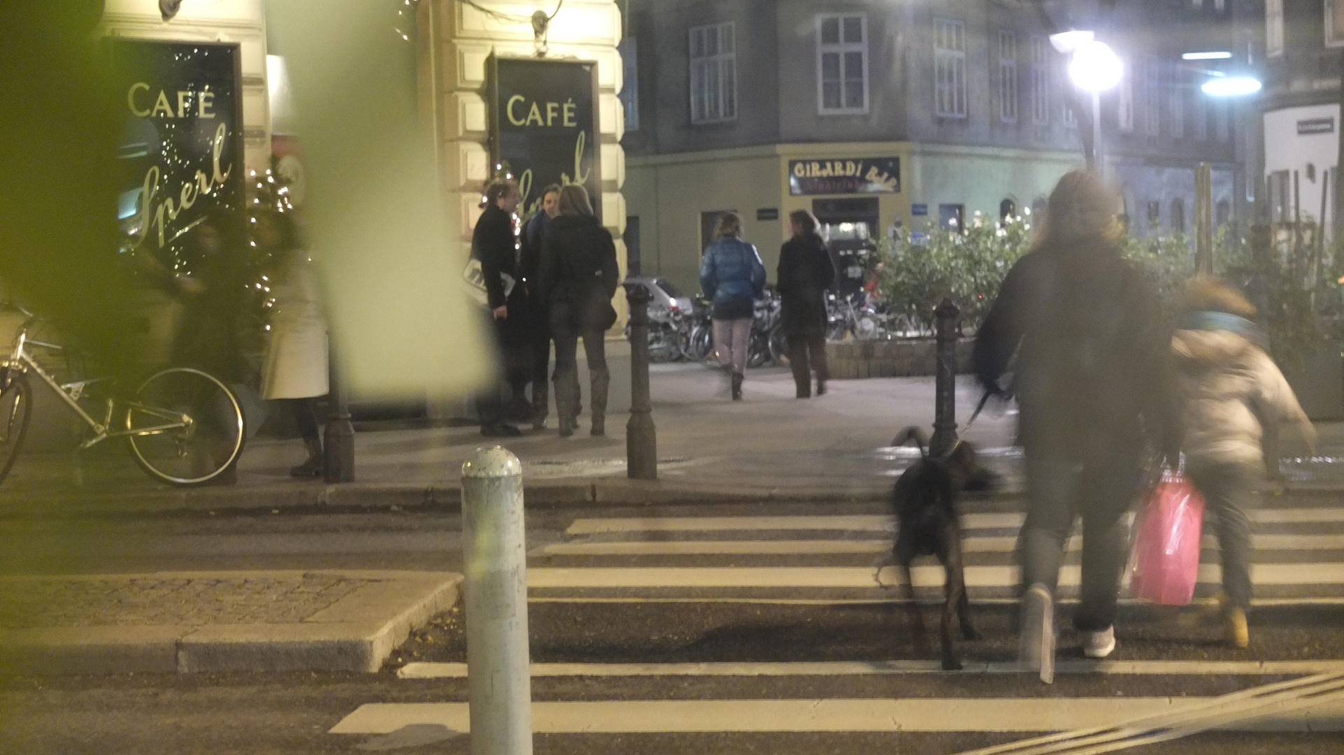 Eingang zum Café Sperl in Wien