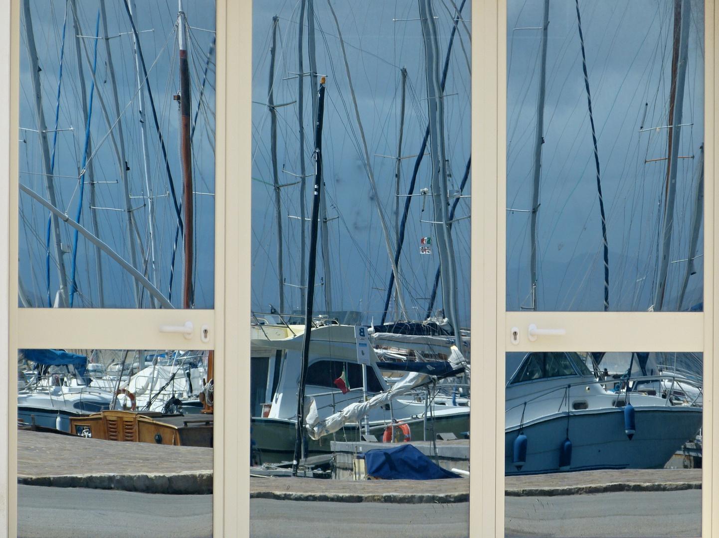 Eingang zum Hafen