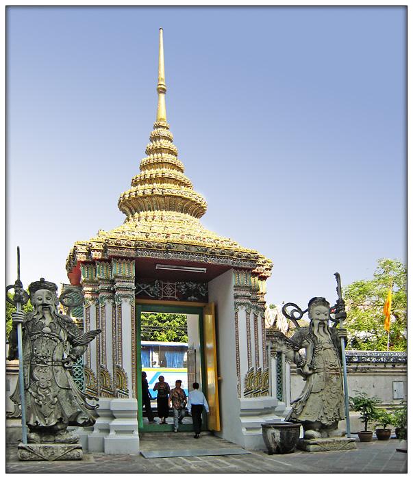 Eingang zum Wat Pho...