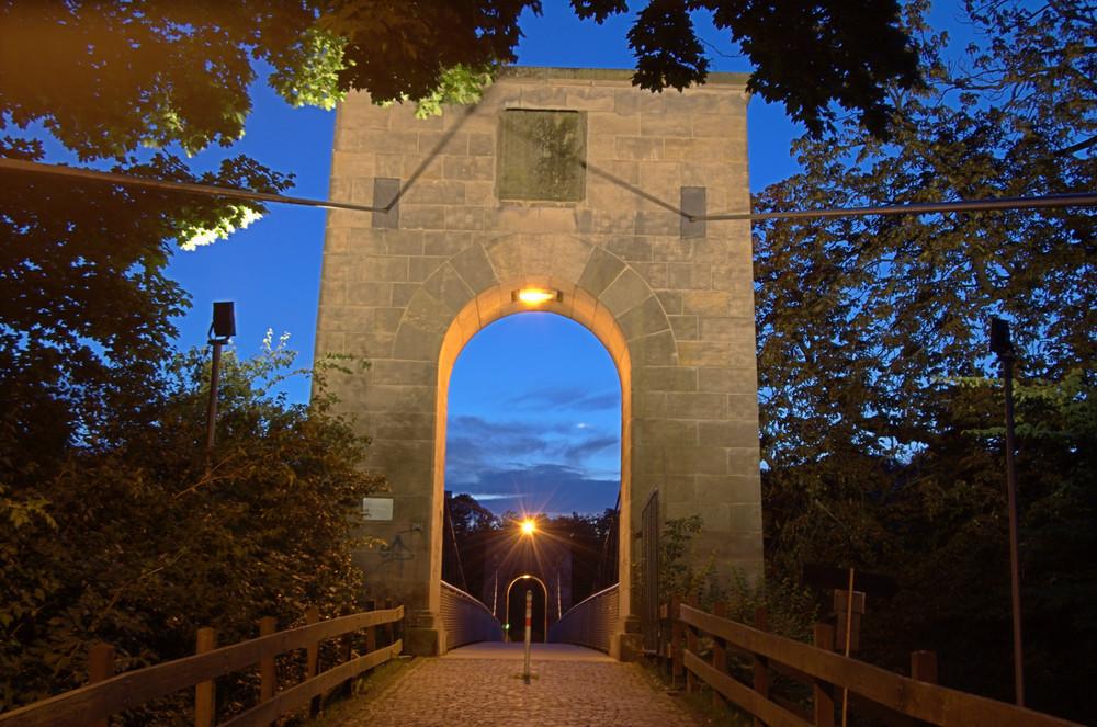 Eingang zur Drahtbrücke
