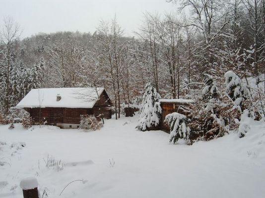 Eingeschneites Forsthaus ruhig gelegen