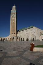 Einheimischer vor Moschee
