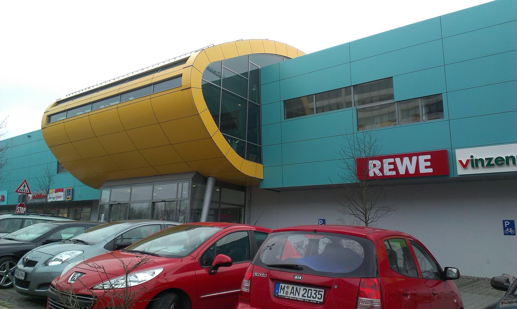 Einkaufscenter - München Neuperlach am U-Bahnhof Quiddestr.
