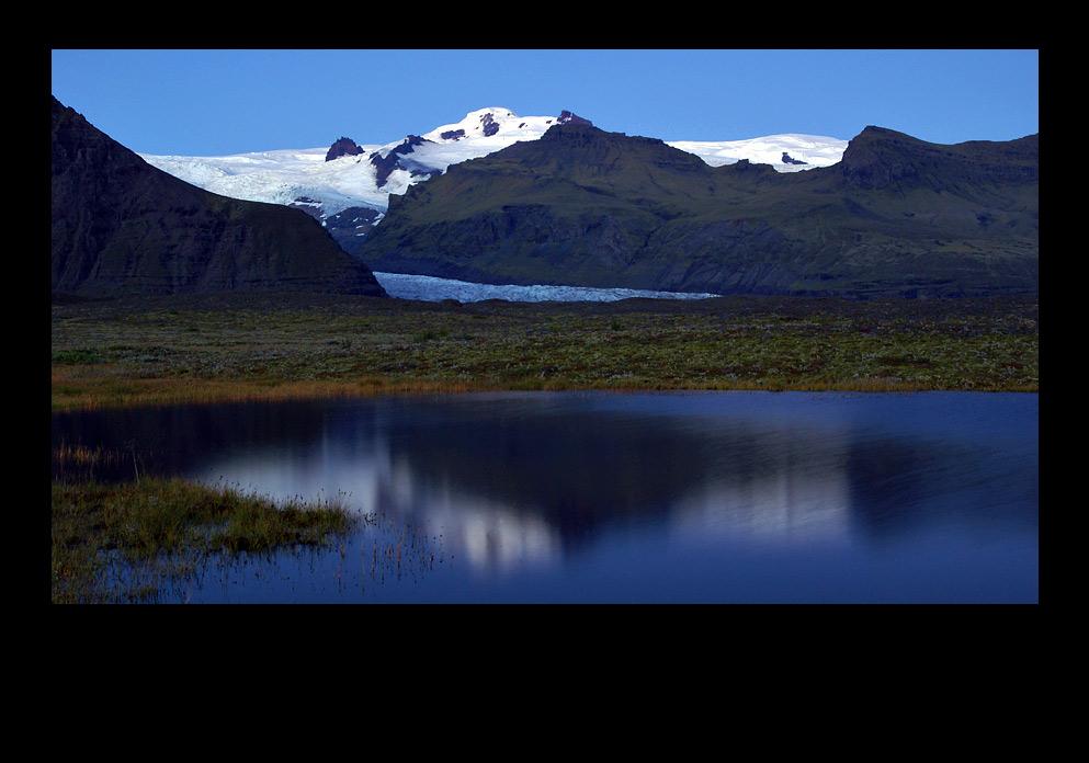 Einkehrende Nachtruhe am Gletscher / Island Süd 07 / Impression 003