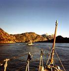Einlaufen in einem Fjord