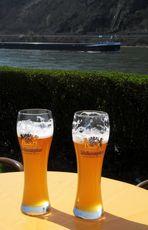 Einmal am Rhein . . .