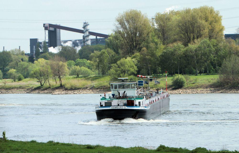 Einmal wenden auf dem Rhein