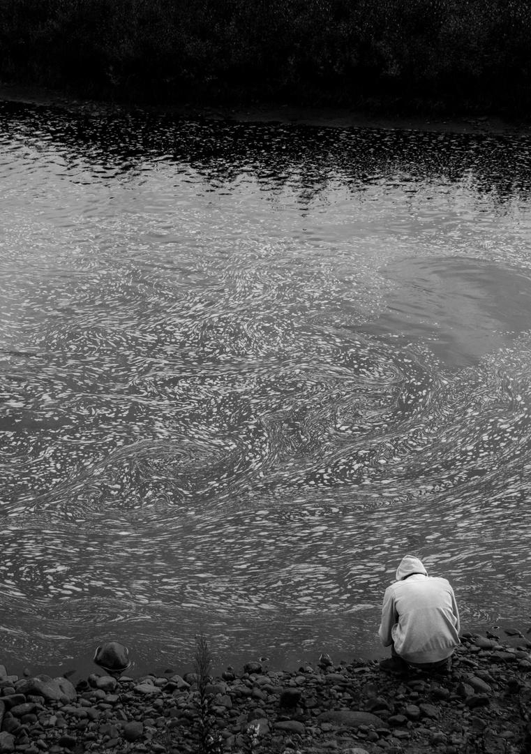 Einsam am Fluss