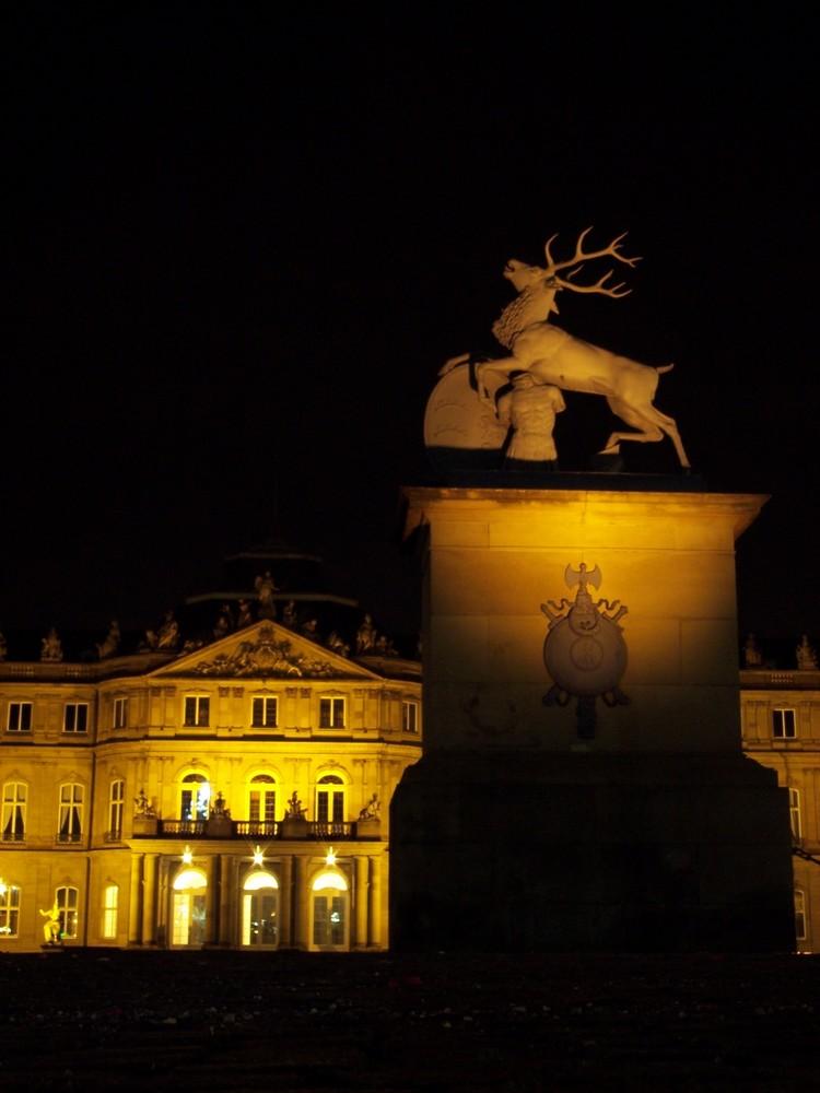 Einsam auf dem Schlossplatz