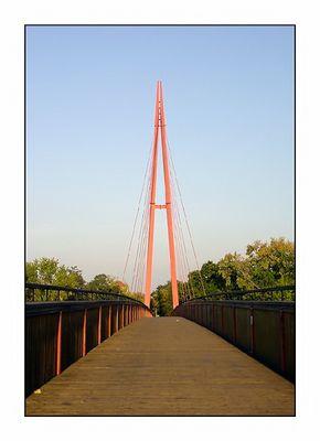 Einsam auf der Brücke