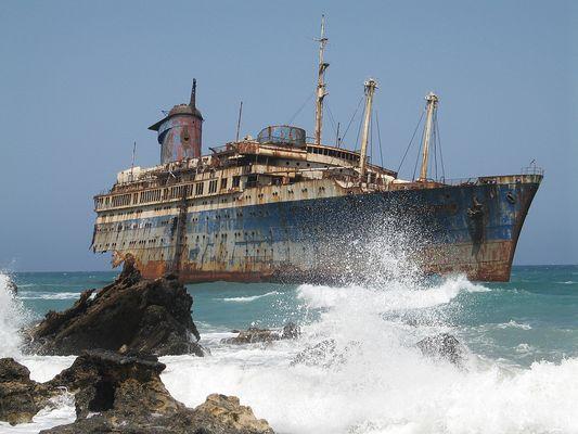 Einsam stirbt das Schiff