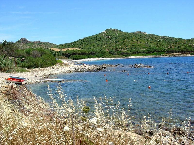 Einsame Bucht am Cap Ferrato