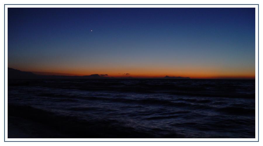 Einsamer Stern am Abendhimmel