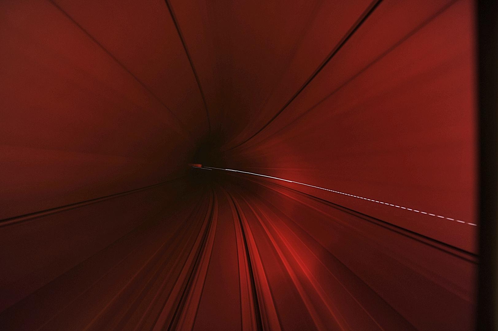einspurig im Tunnel