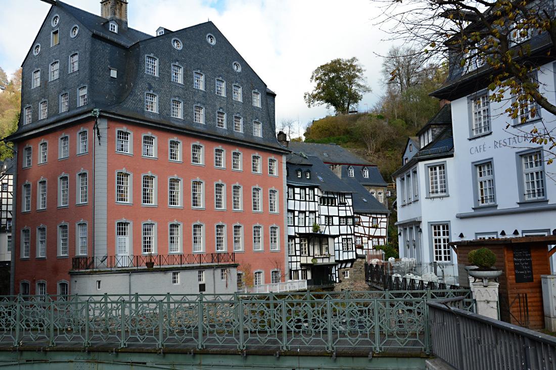 Einzeln Häuser zeigen den Reichtum mancher Familien in Monschau