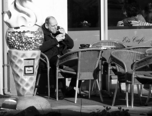 Eis Cafe