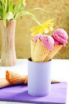 Eis mit gerösteten Pflaumen