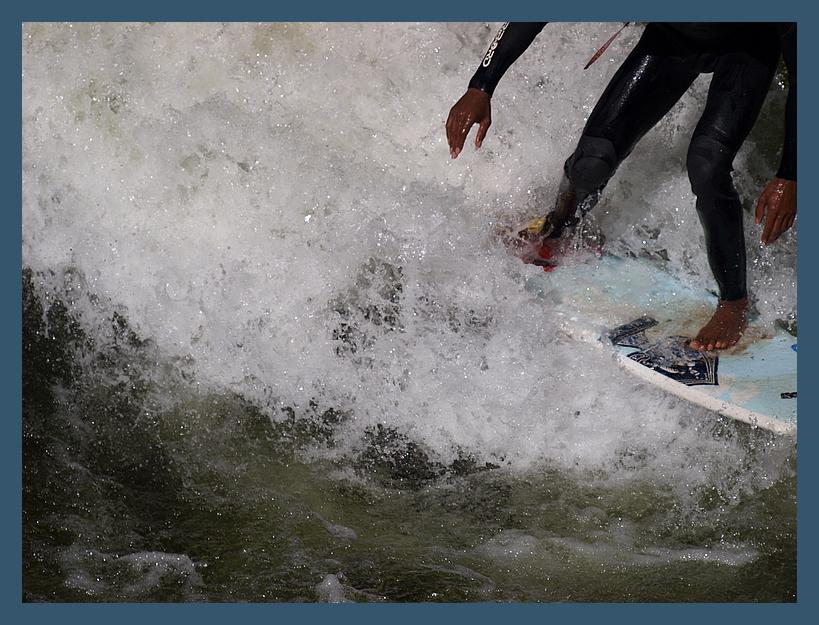 Eisbach / München / engl. Garten / Surfer