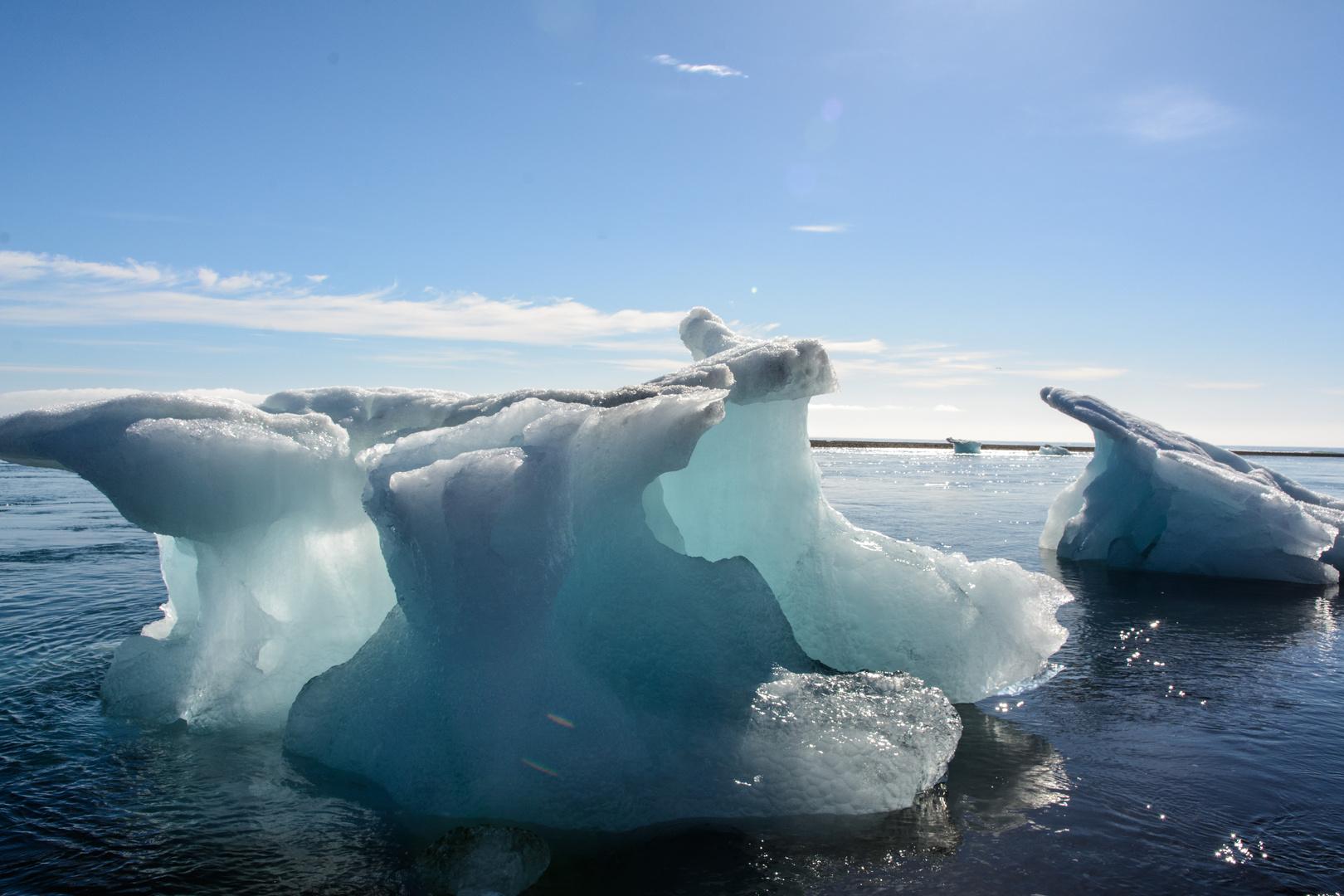 Eisberge auf dem Weg zum Meer