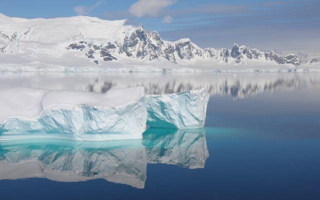 Eisberge und Schnee - soweit das Auge reicht