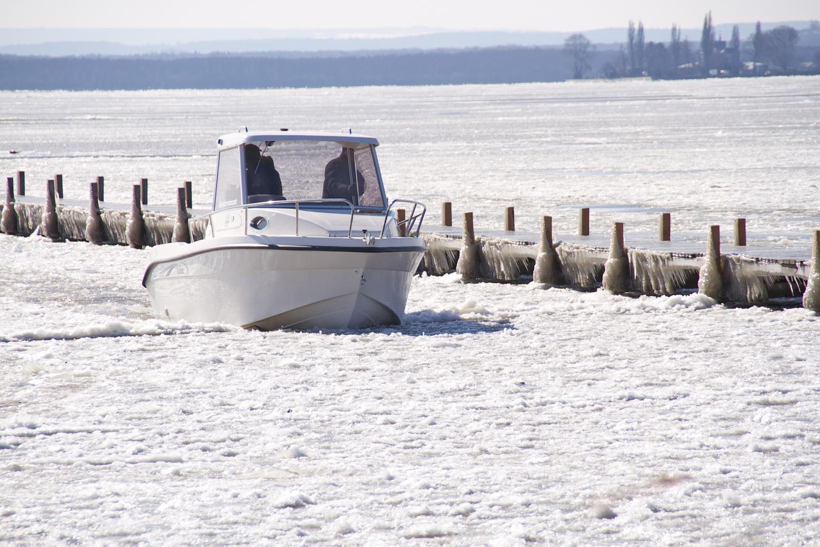 Eisbrecher auf dem Steinhuder Meer 24.03. 2013