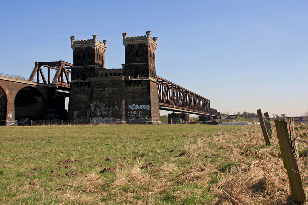 Eisenbahn - Brücke - Rheinhausen_2