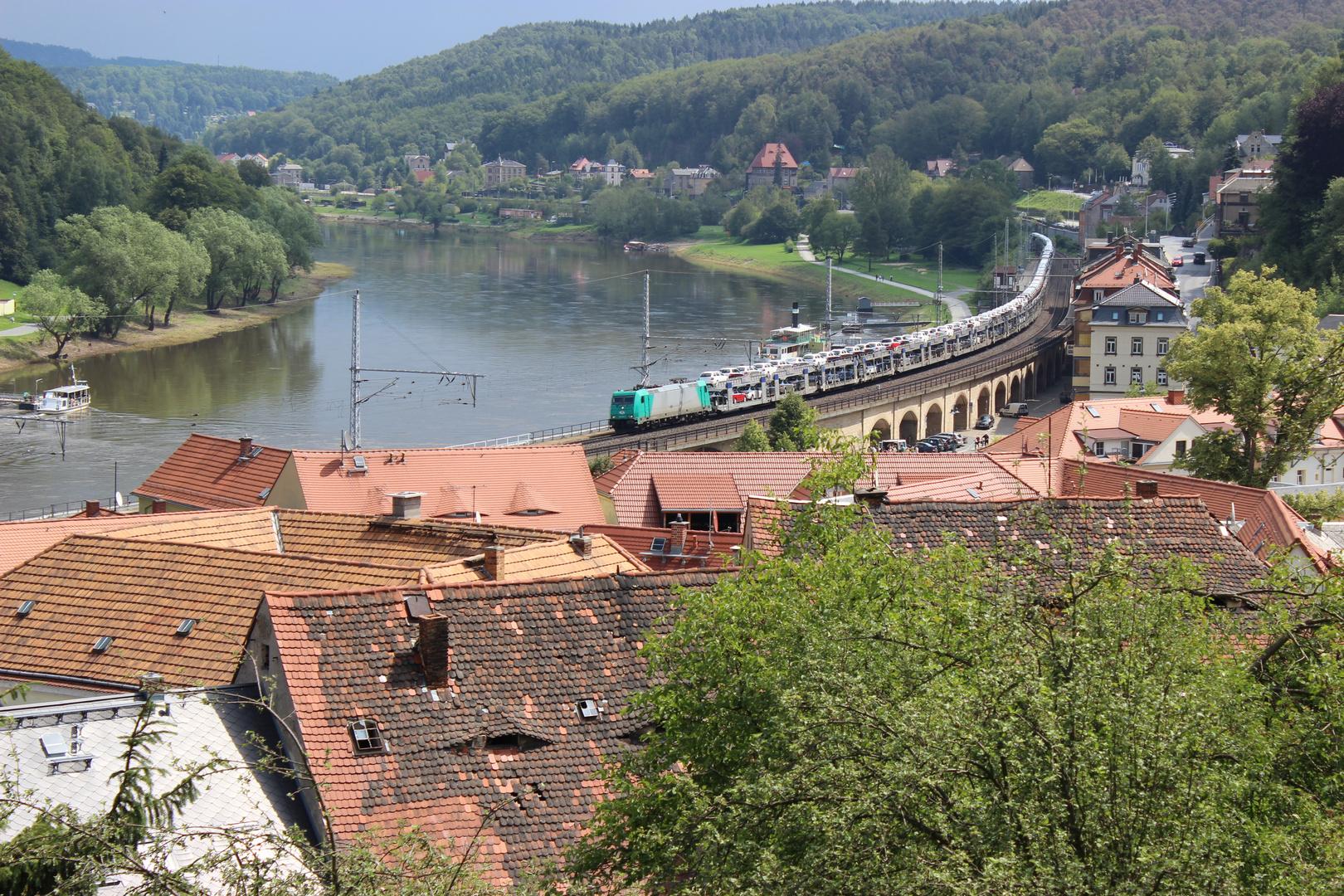 Eisenbahn im Elbtal (2)