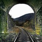 Eisenbahn-Tunnel...