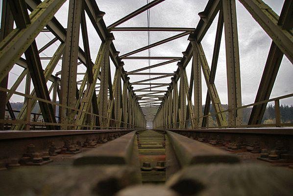 Eisenbahnbrücke.....