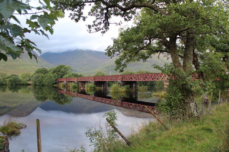 Eisenbahnbrücke in der Nähe des Kilchurn Castle