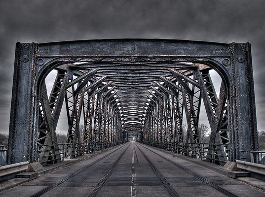 Eisenbahnbrücke - zweiter Versuch
