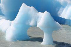 Eisformation auf dem Lago Grey Gletschersee im Nationalpark Torres del Paine