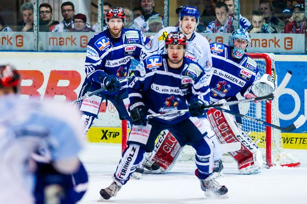 Eishockey - DEL - Iserlohn Roosters - Straubing Tigers 3/4