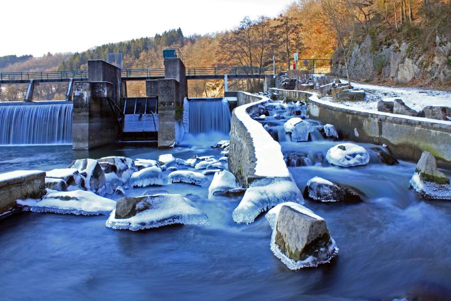 Eisige Fischtreppe