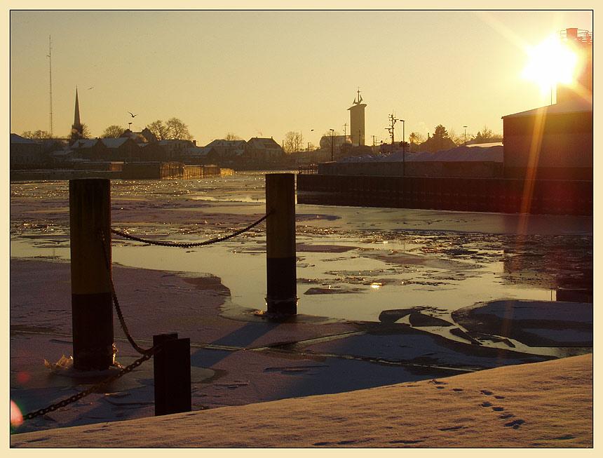Eisiger Binnenhafen
