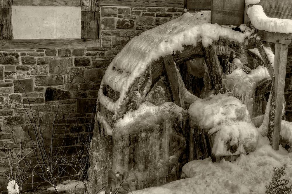 --- Eismühle ---