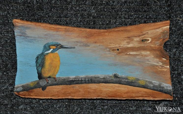 Eisvogel mit Acryl auf Holzrinde